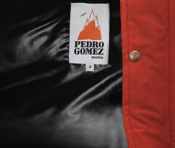 Canadiense Pedro Gomez Madrid Tosca Rojo Piel Negra